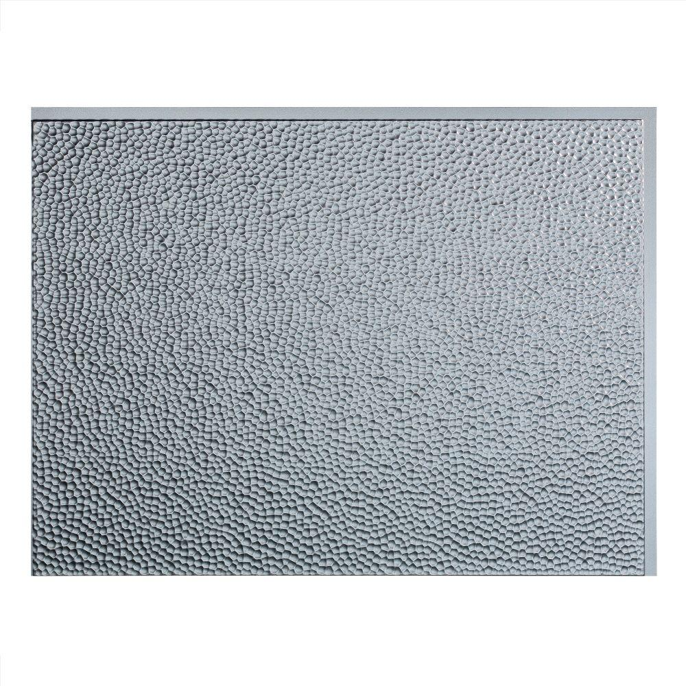 Hammered 18 in. x 24 in. Argent Silver Vinyl Decorative Wall