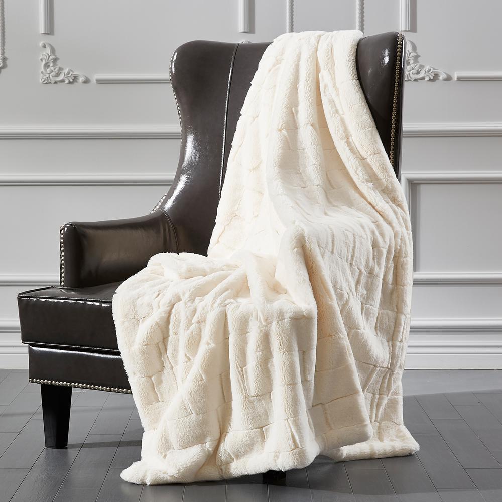 Sculpted Fur Ivory Brick Design Faux Fur Throw