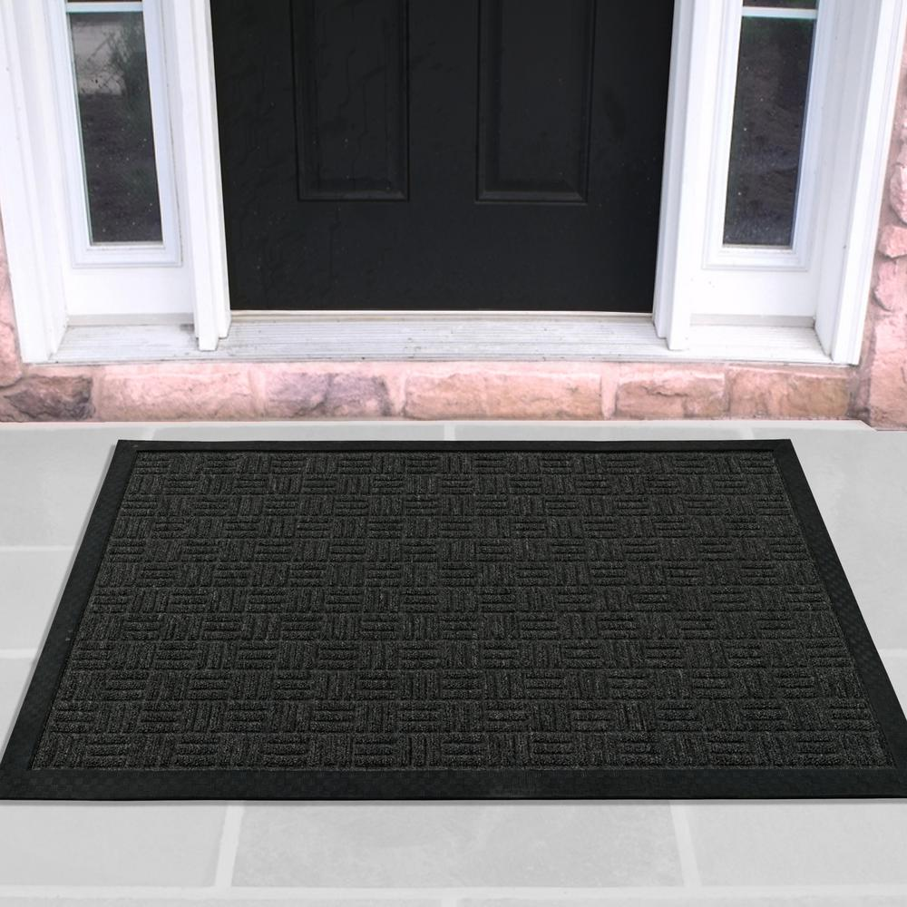 OTTOMANSON Ottomanson Charcoal 24 in. x 36 in. Loop Carpet Natural Rubber Door Mat, Grey