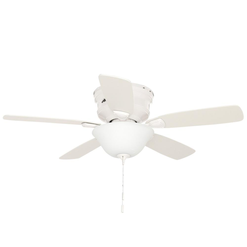Hunter Low Profile 48 In Indoor White Ceiling Fan With Light Kit Bundled With Handheld Remote