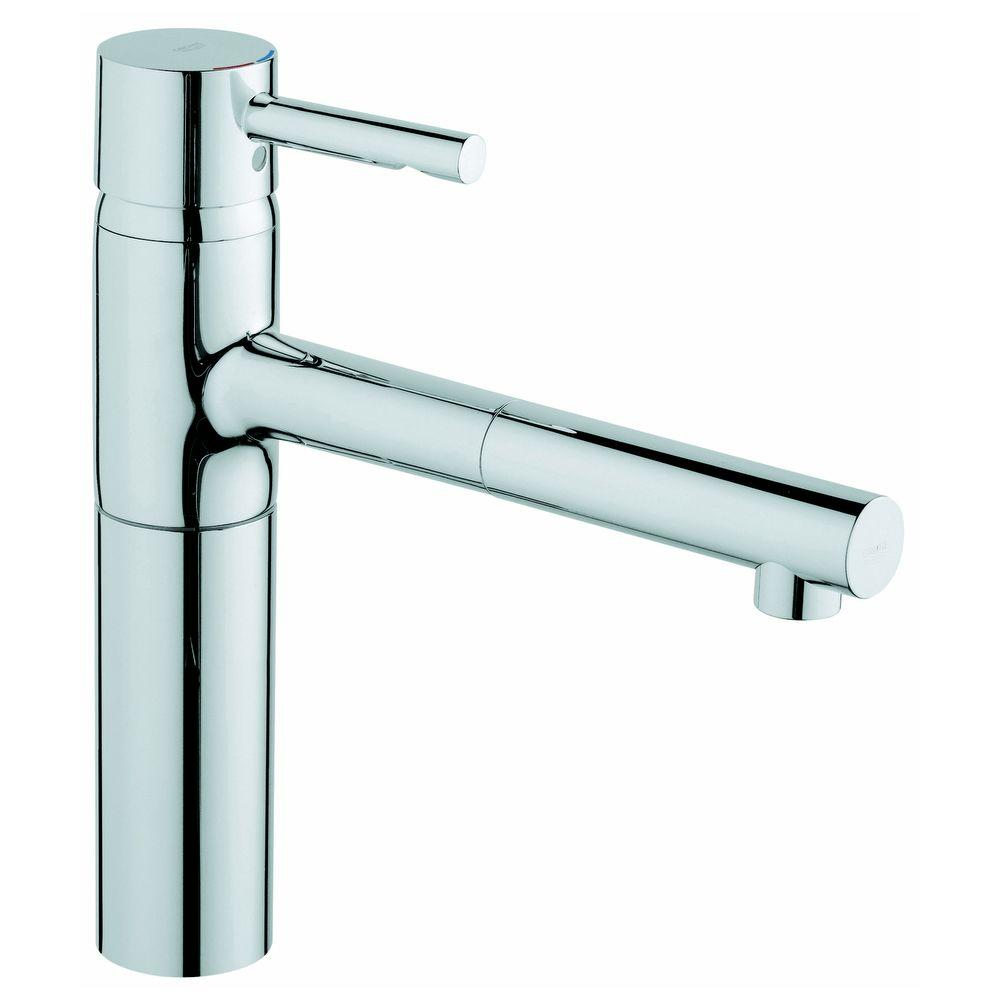 GROHE Essence Single-Handle Pull-Out Sprayer Kitchen Faucet in Chrome