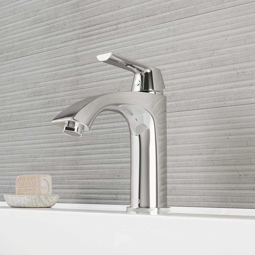Penela Single Hole Single Handle Bathroom Faucet in Chrome