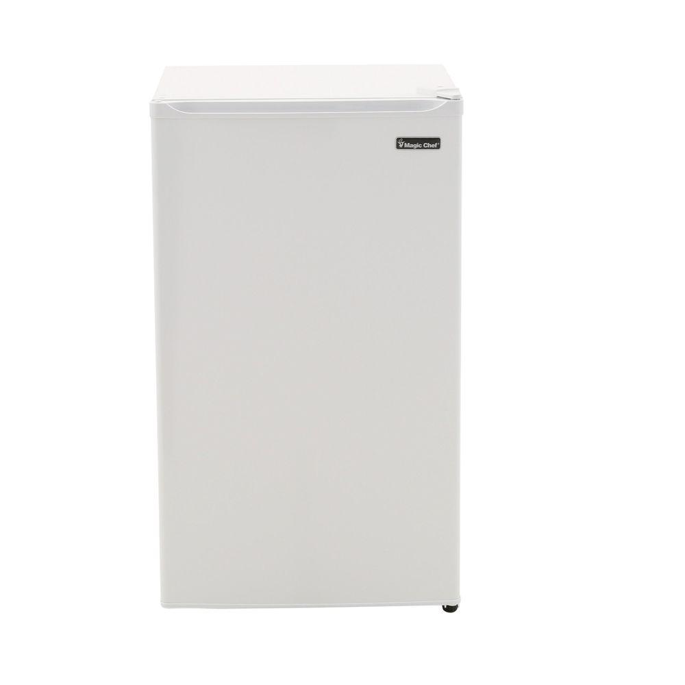 Magic Chef 3 5 Cu Ft Mini Refrigerator In White Energy