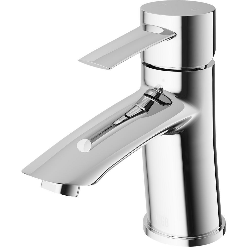Single Hole Single-Handle Bathroom Faucet in Chrome