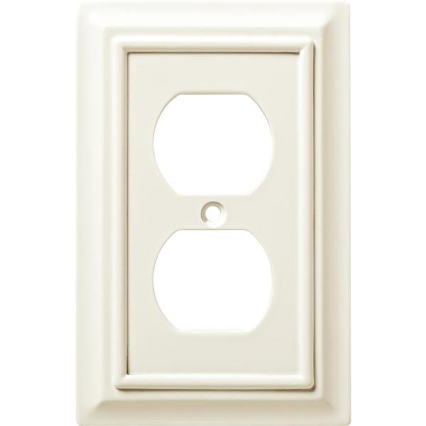 Hampton Bay White 1 Gang Duplex Outlet Wall Plate 4 Pack W10766 W Kt The Home Depot
