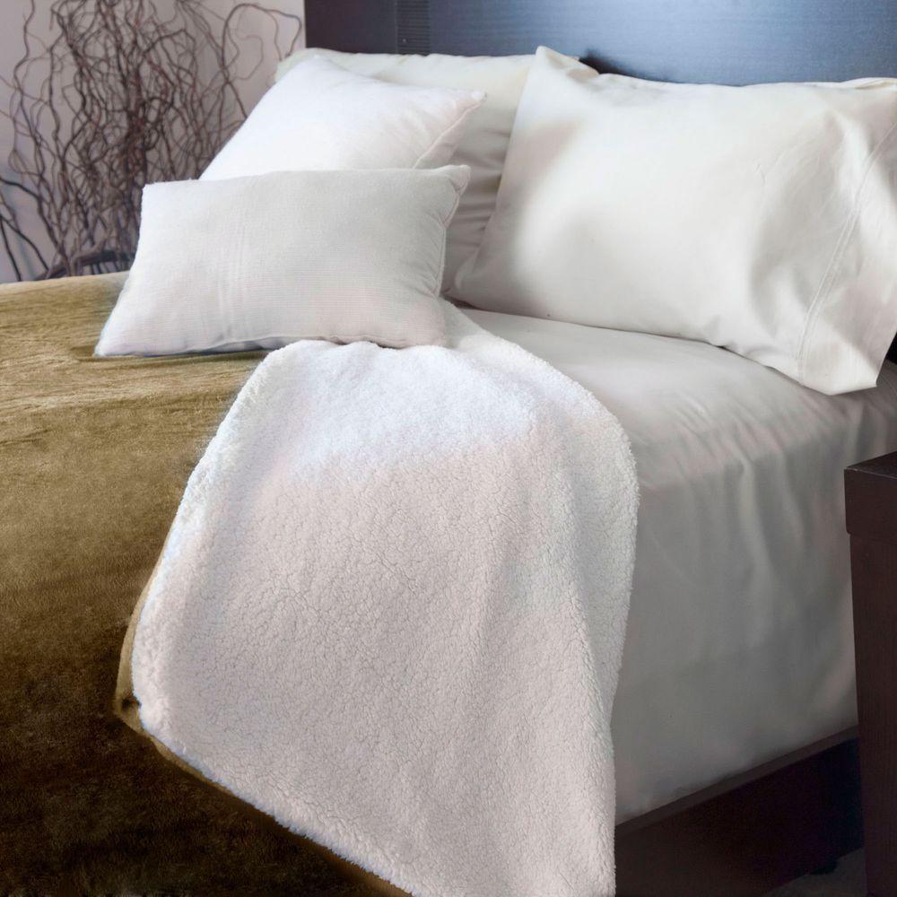 Brown Fleece/Sherpa Polyester Full/Queen Blanket