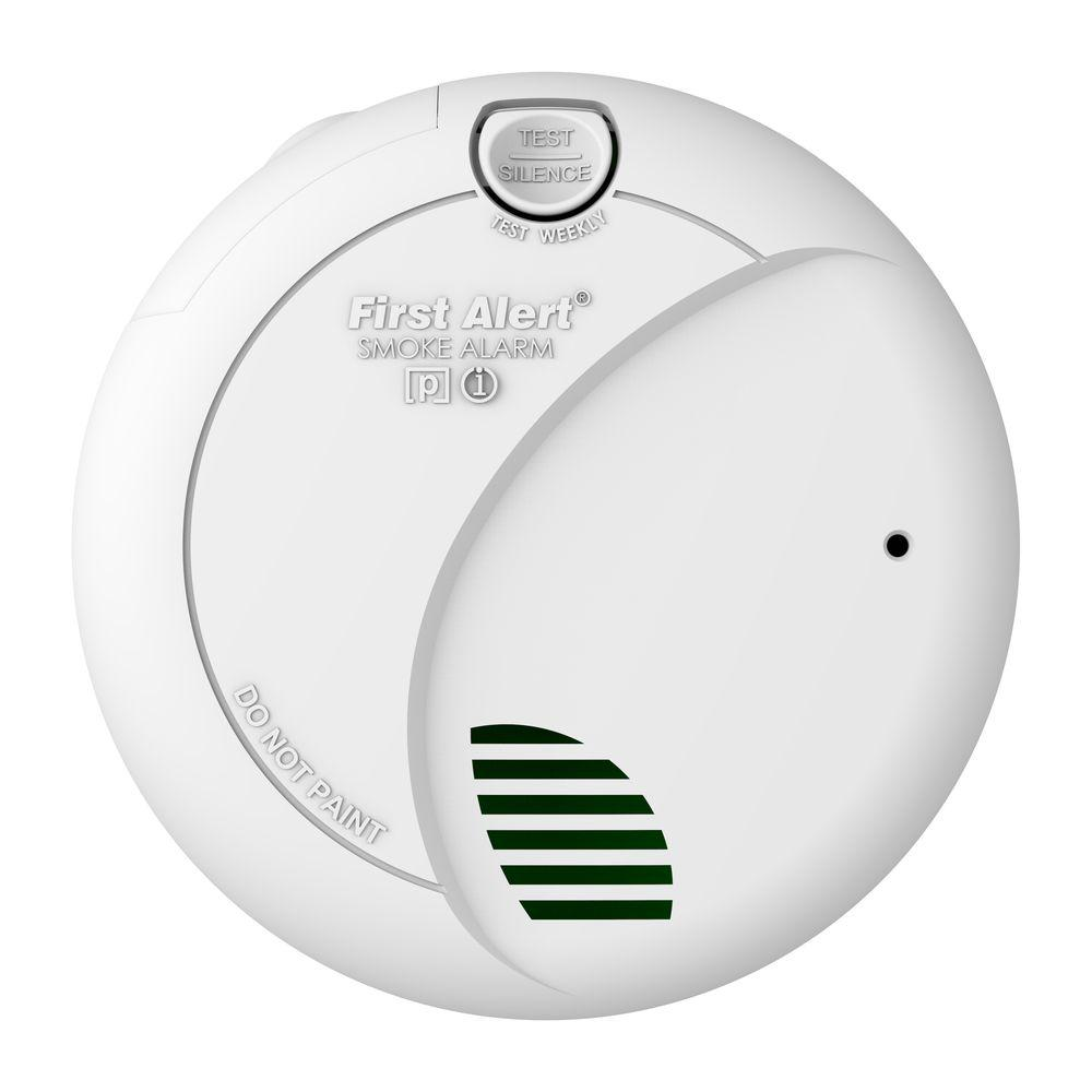 First Alert Battery Operated Photoelectric Smoke Alarm with Lithium Battery