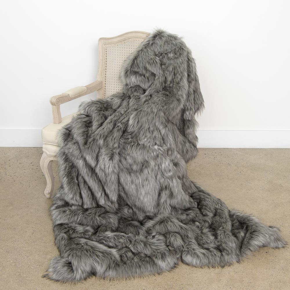 Best Home Fashion Wild Mannered 58 In X 60 Silver Fox Faux Fur Throw The Depot