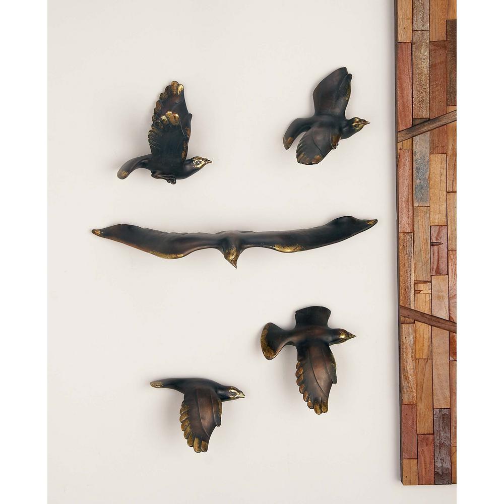 Litton Lane Amazing Animals Eagle Sculptures Polystone Wall Decor 5