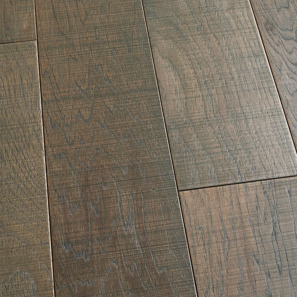 Take Home Sample - Hickory Manresa Click Lock Engineered Hardwood Flooring - 5 in. x 7 in.