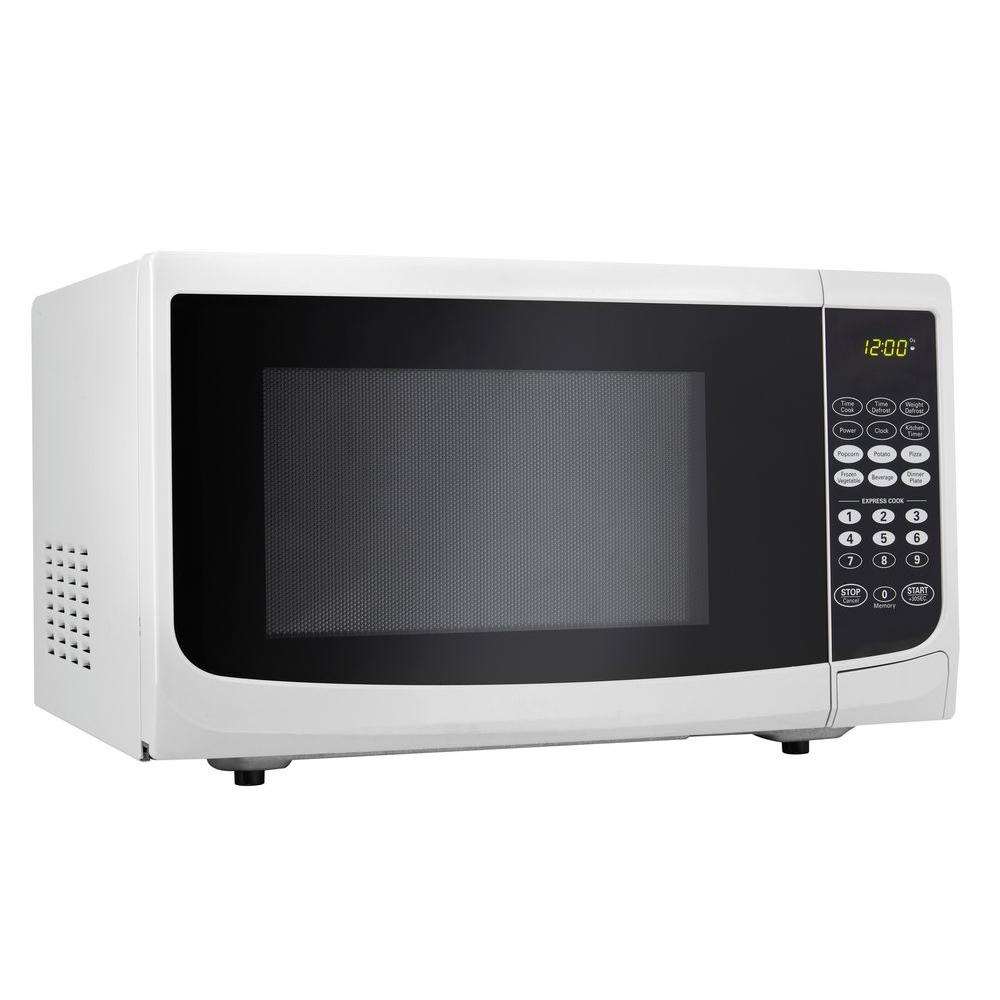 Danby 0 7 Cu Ft Countertop Microwave In White