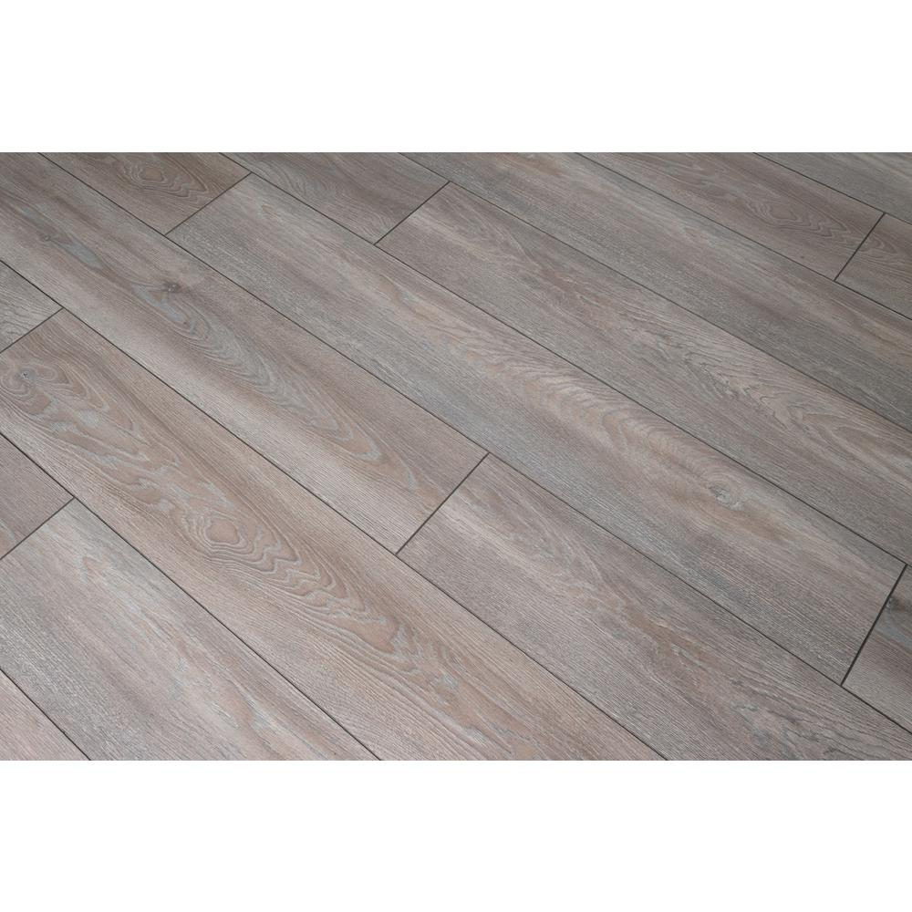 HomeDecoratorsCollection Home Decorators Collection Ackland Oak 12 mm Thick x 8.03 in. Wide x 47.64 in. Length Laminate Flooring (15.94 sq. ft. / case), Light