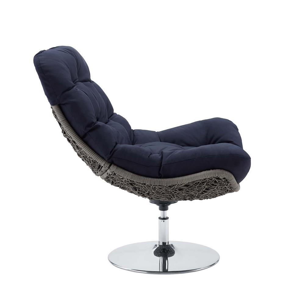 Brighton Swivel Wicker Outdoor Lounge Chair with Navy Cushions