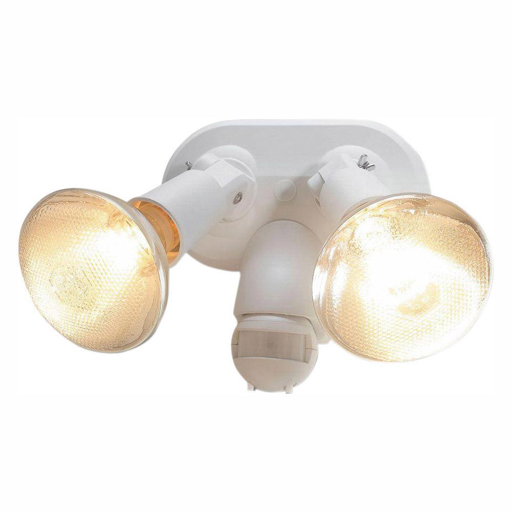 Santee 130-Degree White Motion-Sensing Outdoor Lamp