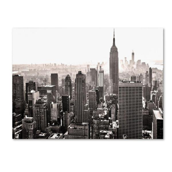 Trademark Fine Art 22 in. x 32 in. Manhattan Canvas Art