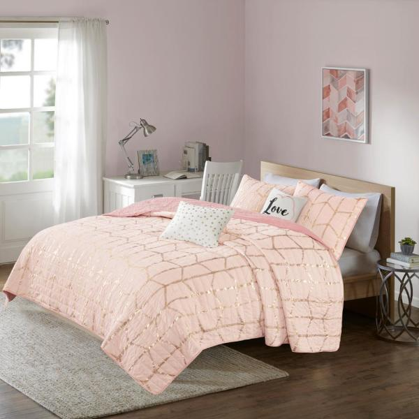 Intelligent Design Khloe 4-Piece Blush/Gold Twin/Twin XL Geometric Coverlet Set