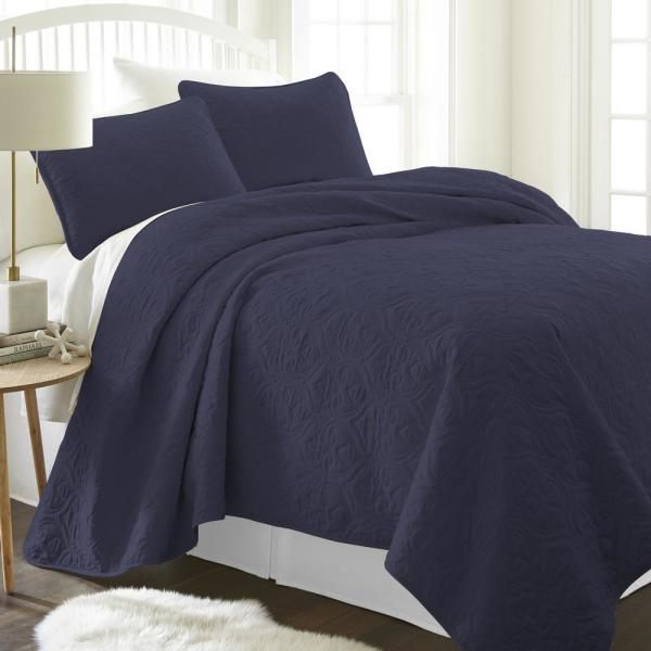 Becky Cameron Damask Navy King Performance Quilted Coverlet Set IEH-QLT-DA-K-NA