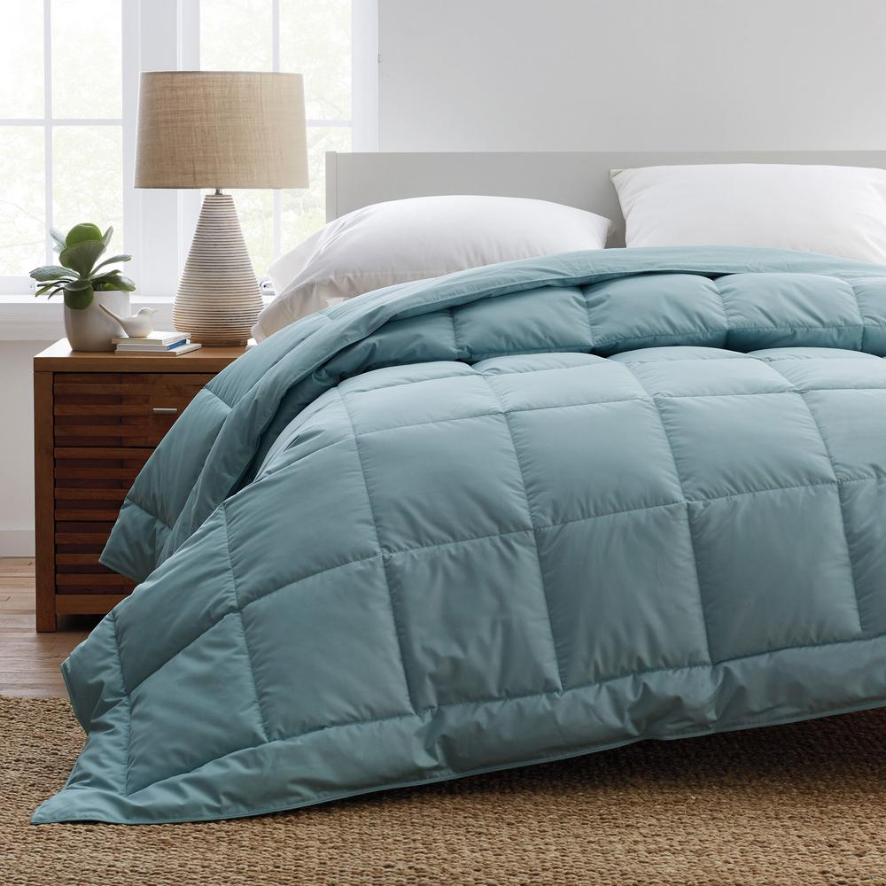 PrimaLoft Deluxe Extra Warmth Cloud Blue King Down Alternative Comforter
