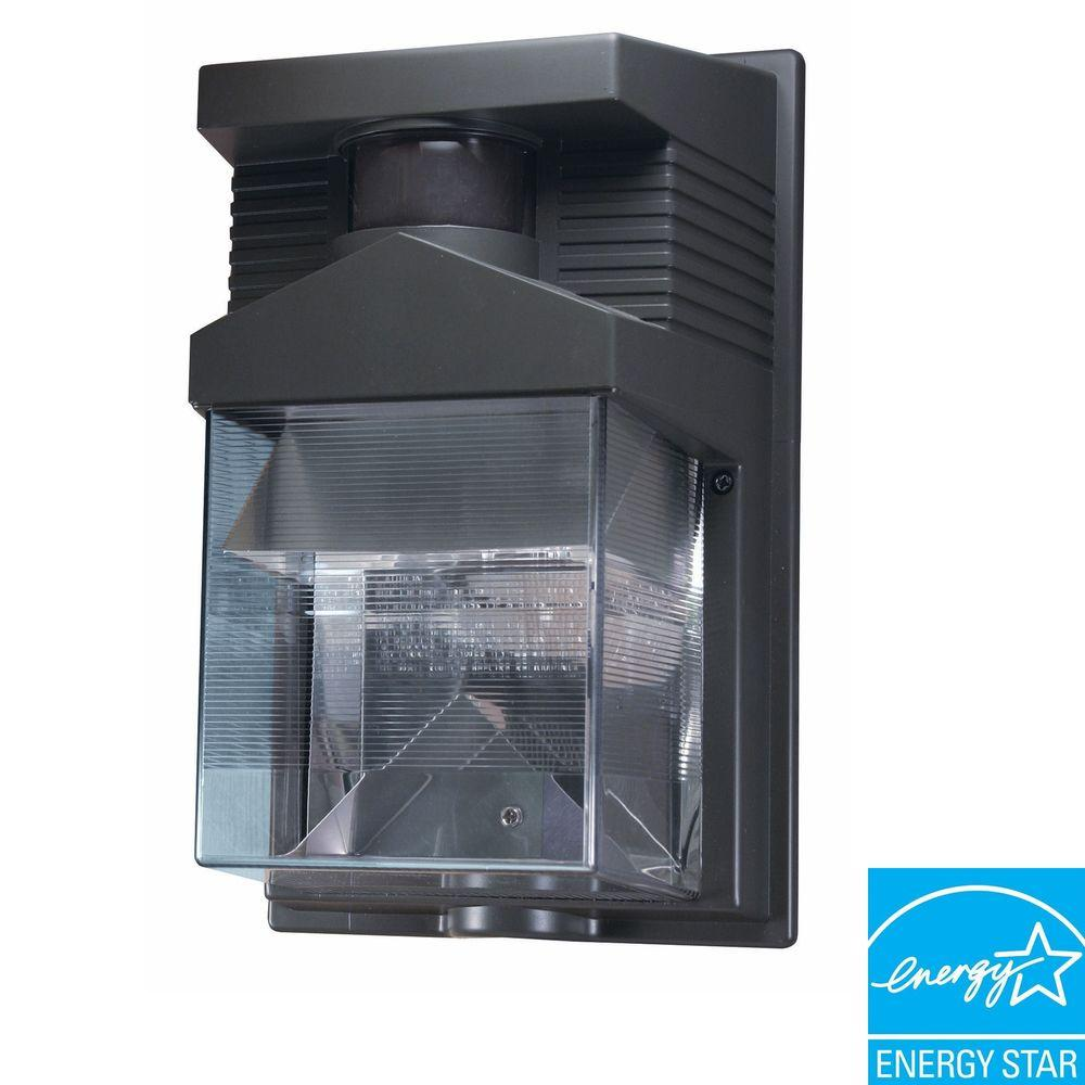 Heath Zenith 180 Degree Outdoor Halogen Motion Sensing Bronze Security Light-DISCONTINUED