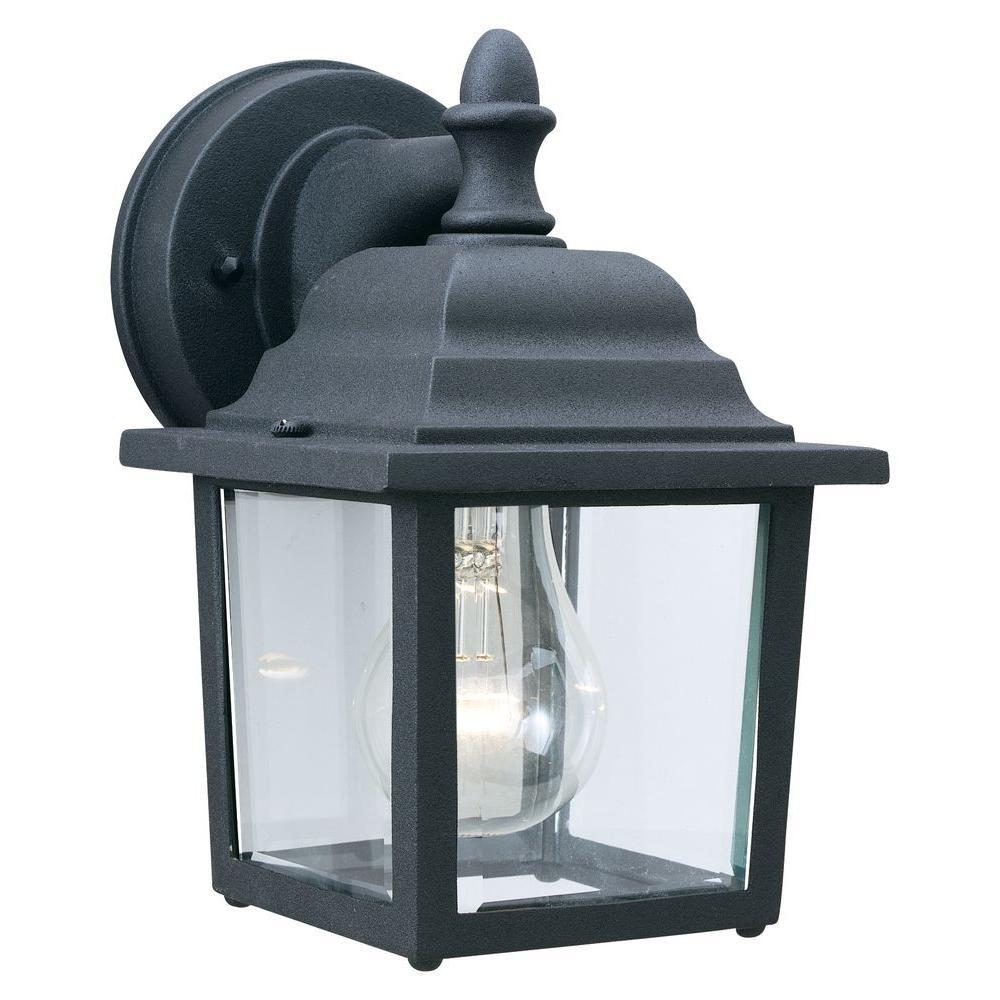 Outdoor Essentials 1-Light Black Outdoor Wall Lantern