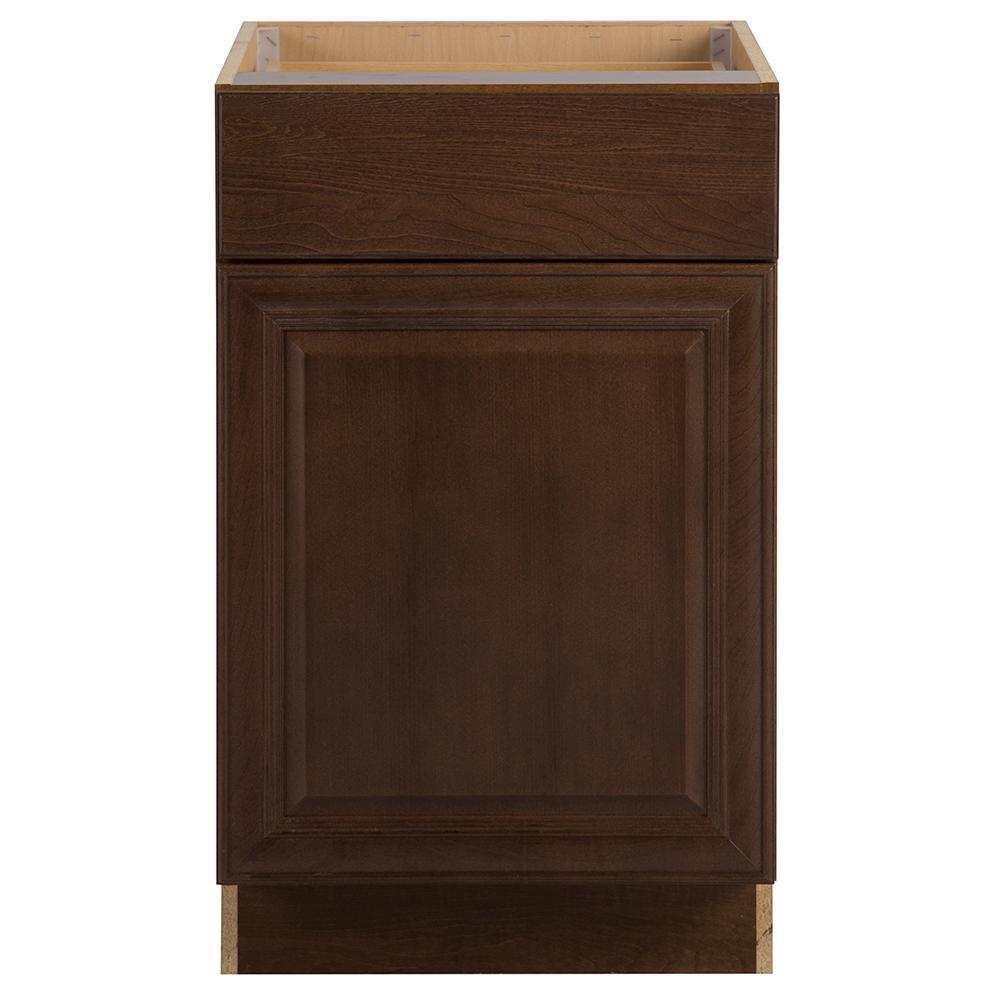 Benton Assembled 21x34.5x24 in. Base Cabinet with Soft Close Full Extension