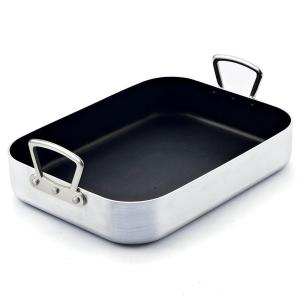 Click here to buy Cook N Home 12 Qt. Aluminum Roasting Pan by Cook N Home.