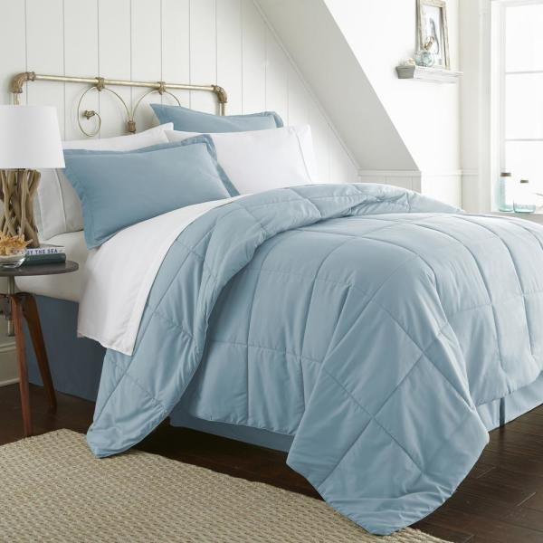 Becky Cameron Bed In A Bag Performance Aqua King 8-Piece Bedding