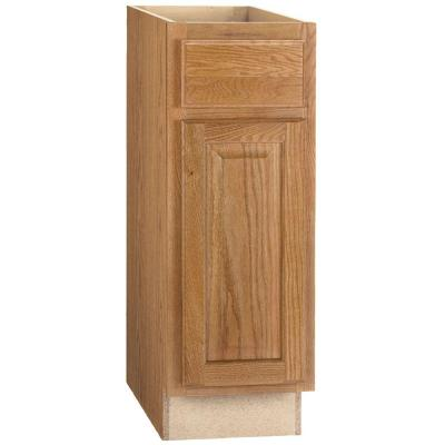 Hampton Assembled 12x34.5x24 in. Base Kitchen Cabinet with Ball-Bearing Drawer Glides in Medium Oak