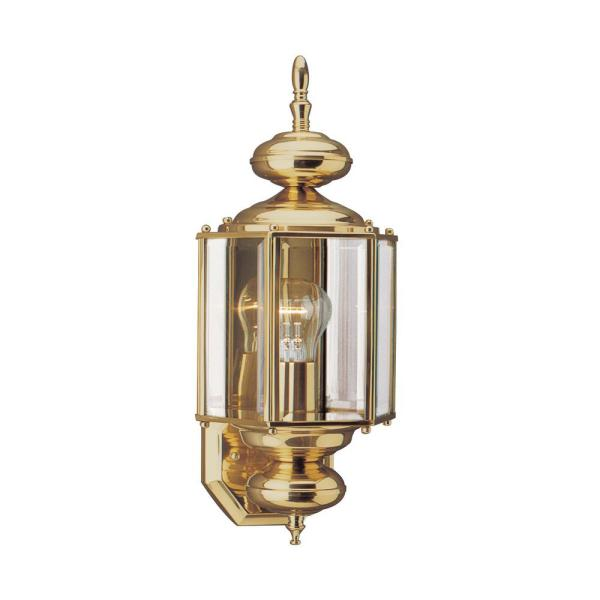 Lantern 7 in W 1-Light Large Polished Brass Wall Mount with Clear Beveled Glass