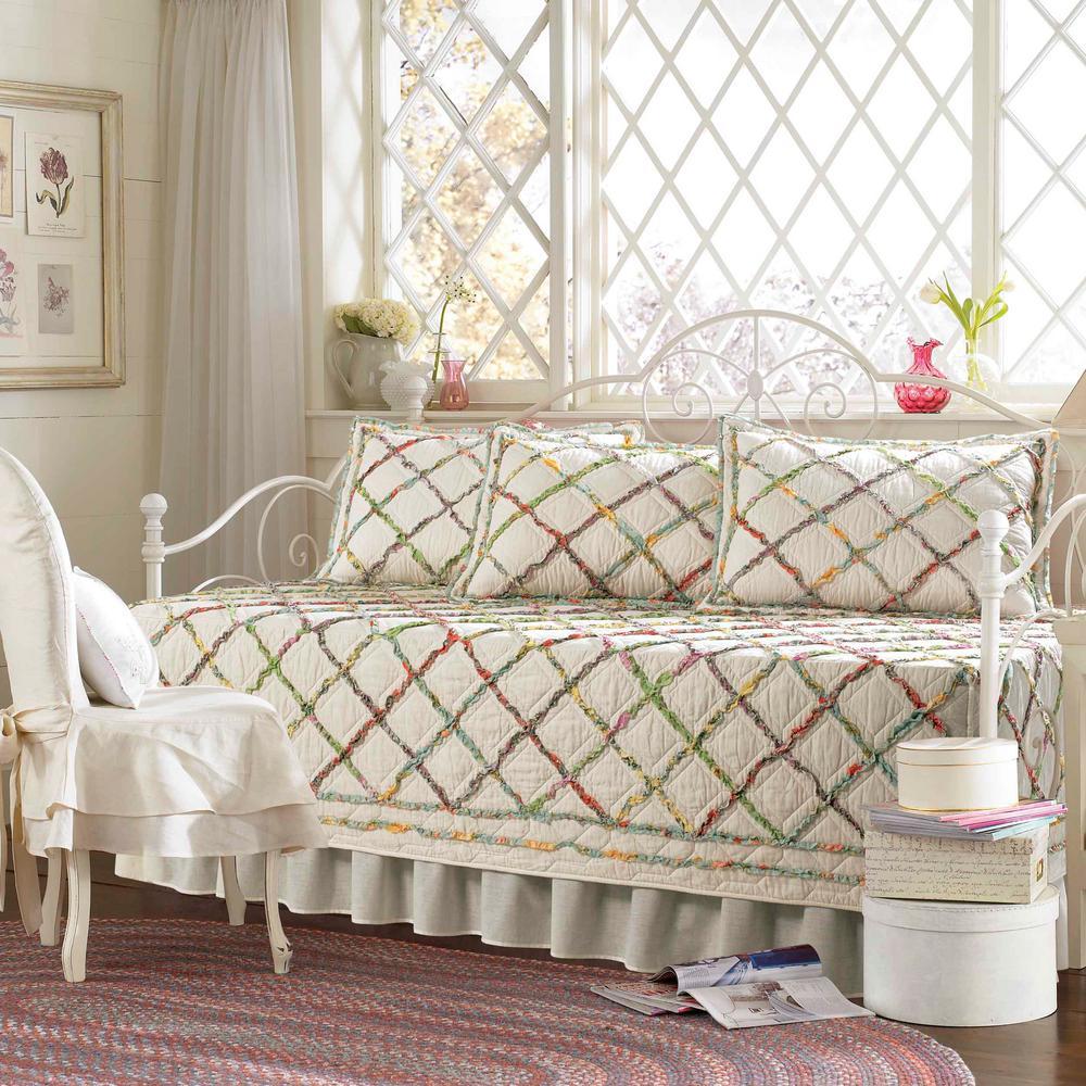 Ruffle Garden 5-Piece Daybed Bedding Set