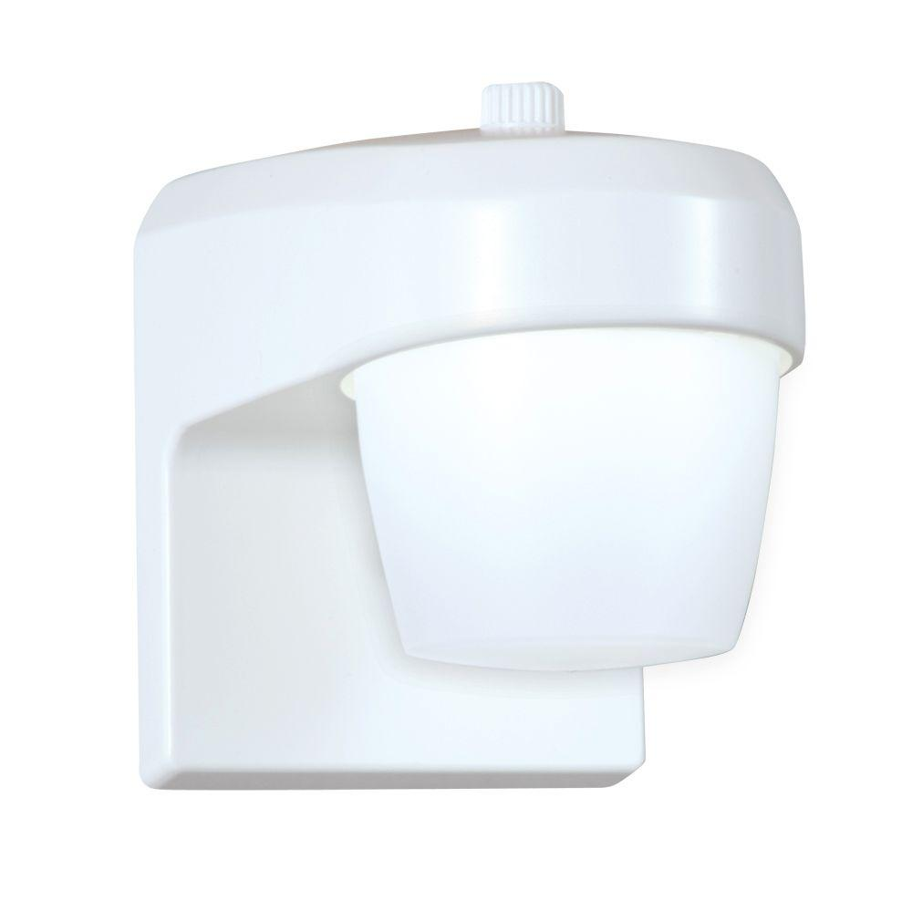 All-Pro White Outdoor Integrated LED Small Entry and Patio Light with Dusk to Dawn Photocell Sensor, 5000K Daylight