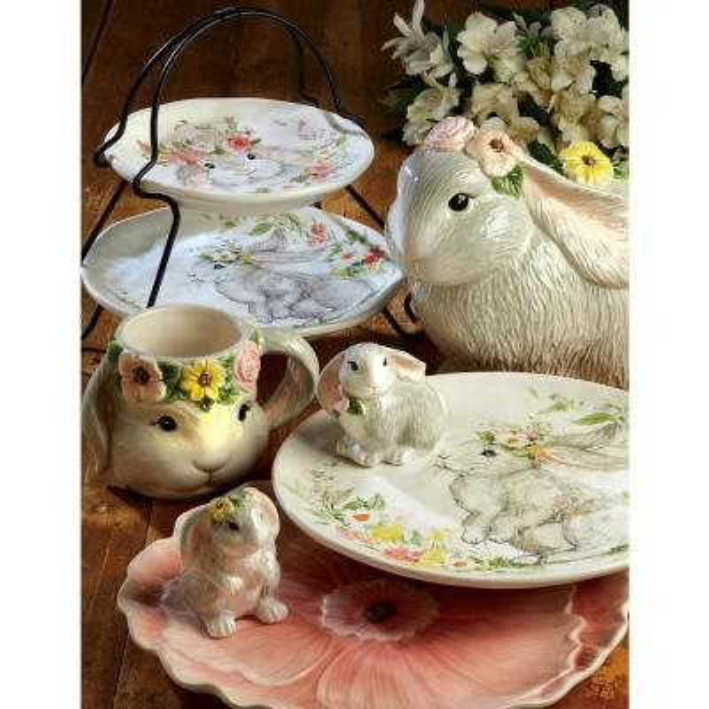 Sweet Bunny 4-Piece Seasonal Multicolored Earthenware Dinnerware Set (Service for 4)