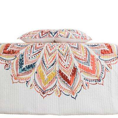 Marlie White Full and Queen Quilt Set