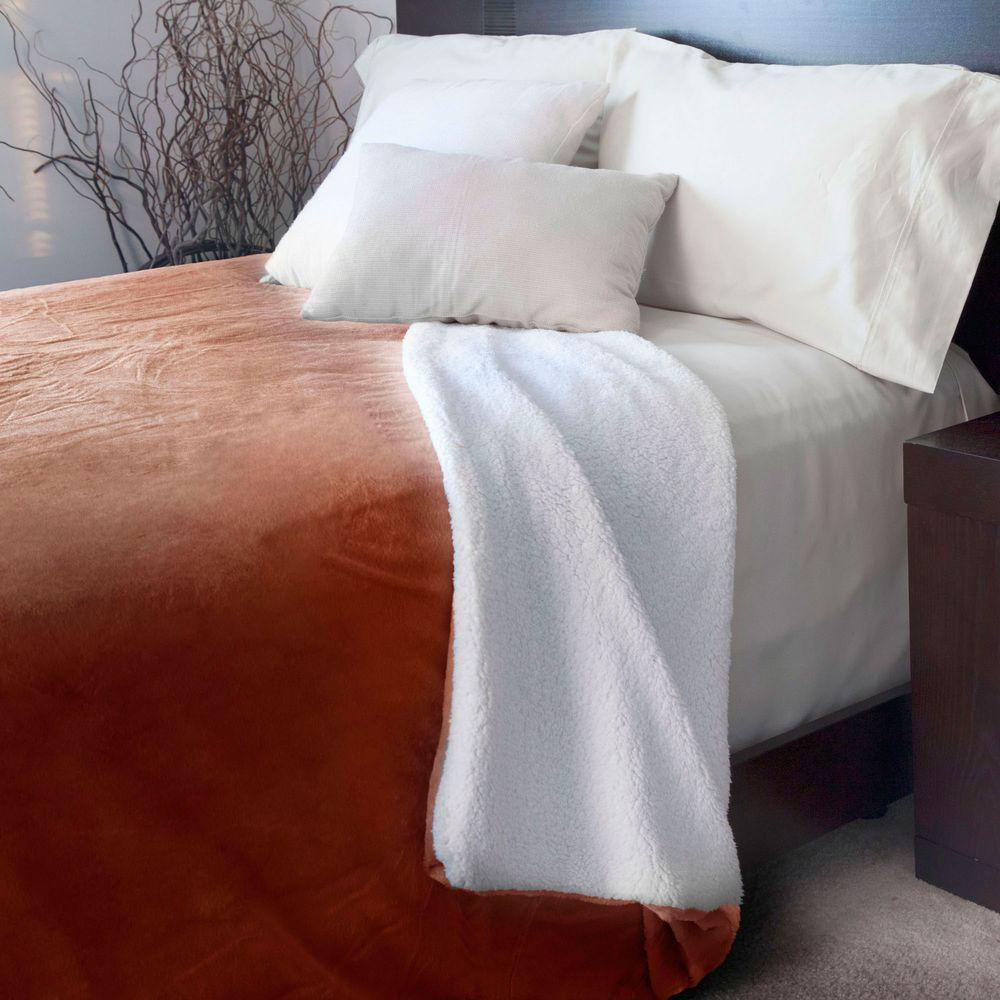 Burgundy Fleece/Sherpa Polyester King Blanket
