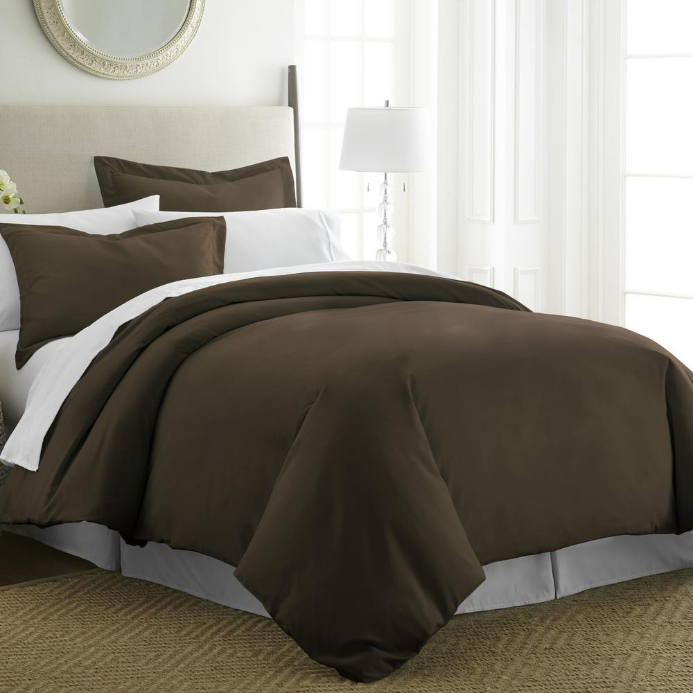 Performance Chocolate Queen 3-Piece Duvet Cover Set