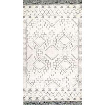 Tammie Tassel Ivory 7 ft. 6 in. x 9 ft. 6 in. Area Rug