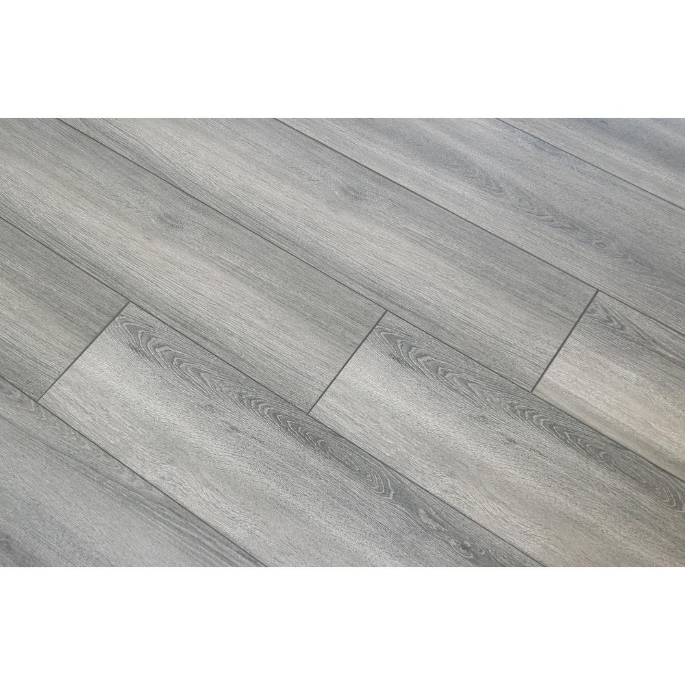 HomeDecoratorsCollection Home Decorators Collection Disher Oak 8mm Thick x 8.03 in. Wide x 47.64 in. Length Laminate Flooring (21.26 sq. ft. / case), Light