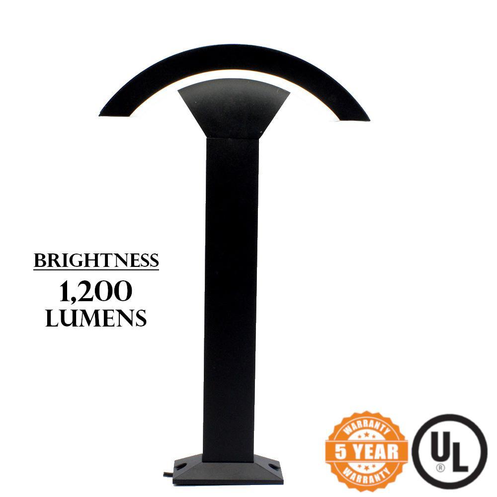 Bollard Pathway Light 12-Watt Black Integrated LED 1,200-Lumen 5000K CCT