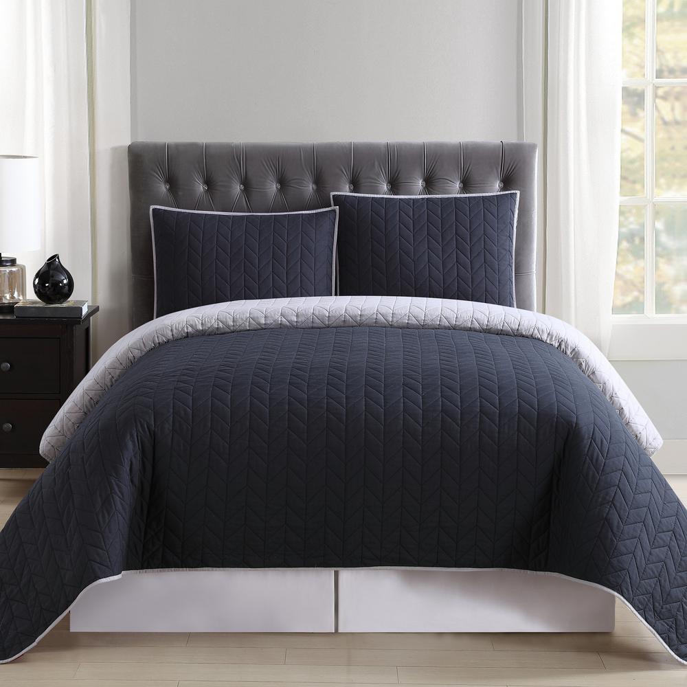 Black and Grey Reversible Queen Quilt Set