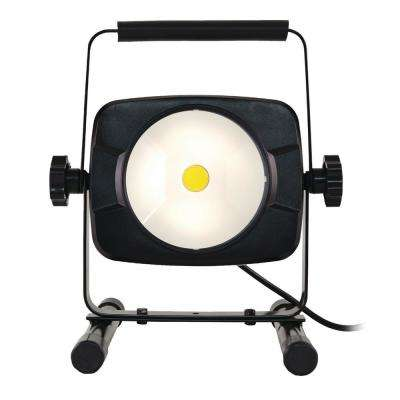 3,000 Lumens LED Work Light with USB Outlet