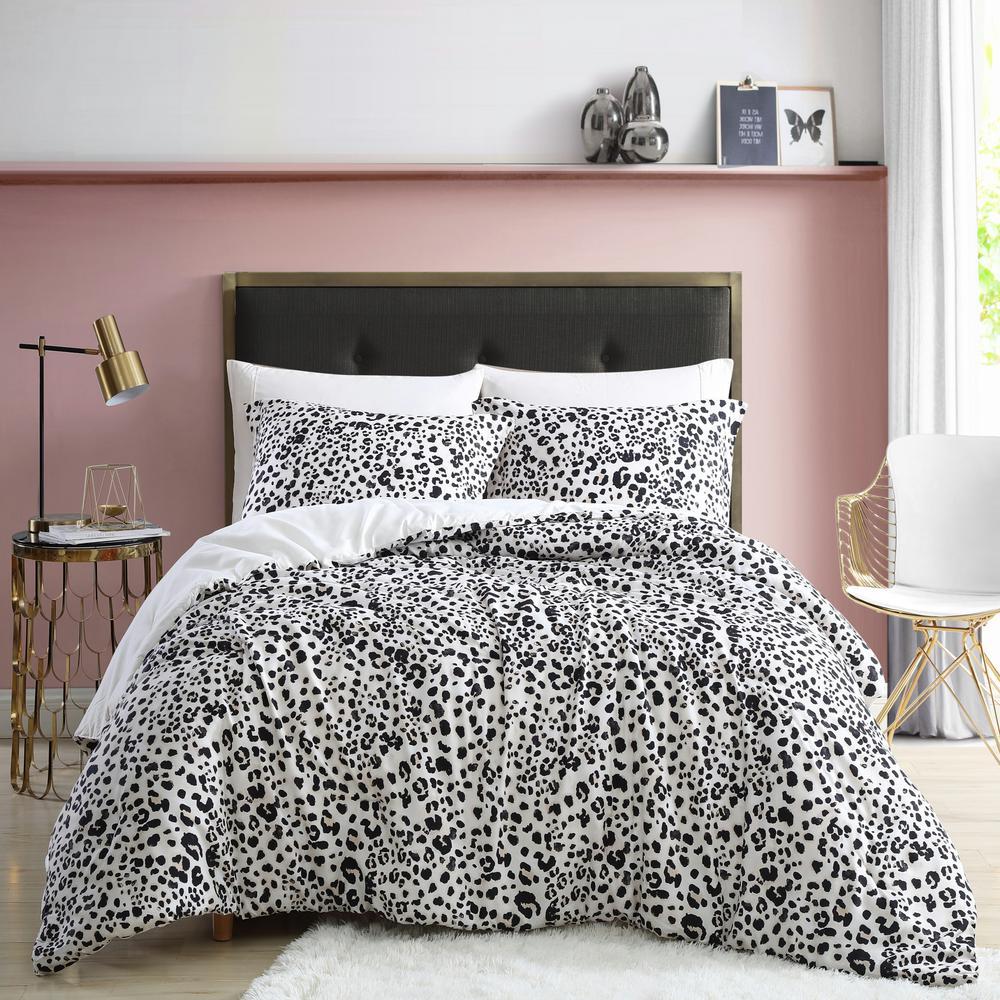 Water Leopard Reversible Natural Beige 3-Piece Microfiber King Comforter/Sham Set