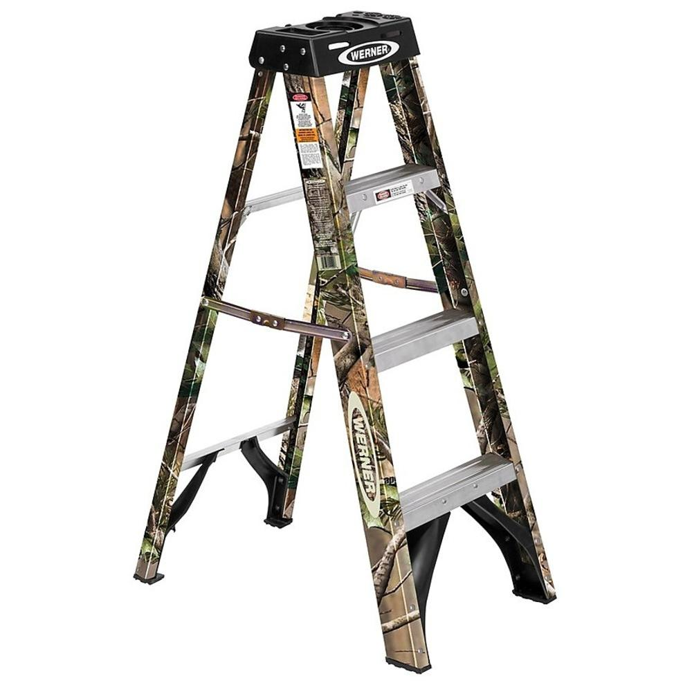 Werner 4 Ft. Fiberglass Platform Step Ladder With 375 Lb