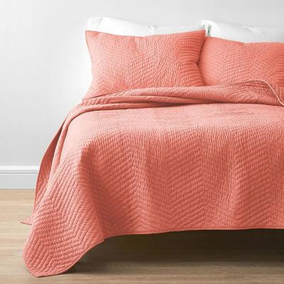 Company Cotton Coral Solid Full/Queen Quilt