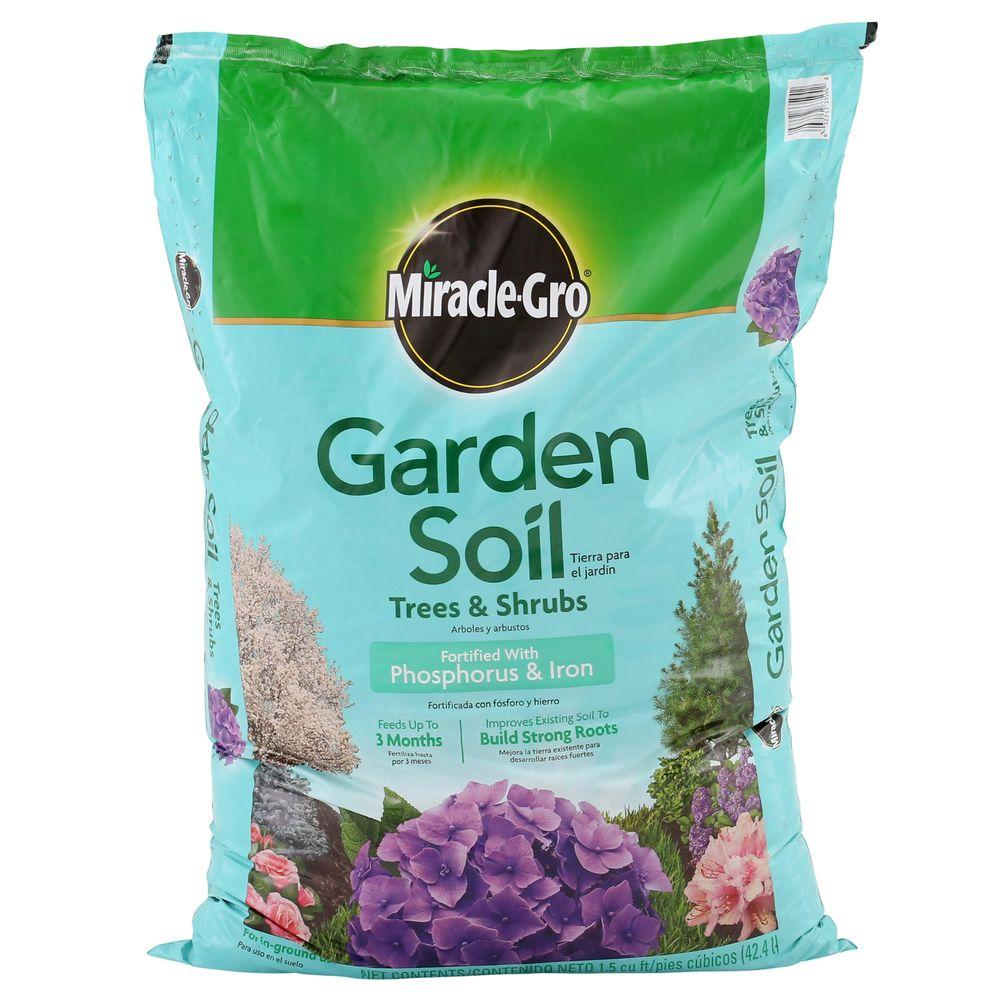 miracle gro moisture control 15 cu ft garden soil for trees and shrubs - Miracle Gro Garden Soil