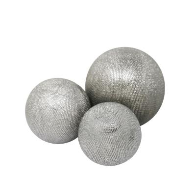 6/5/4 in. Ceramic Orbs Silver (Set of 3)