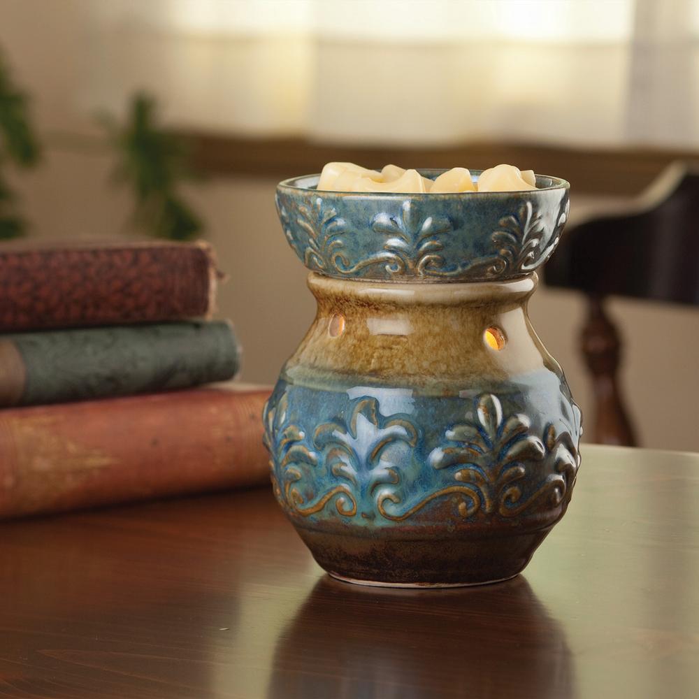 8.8 in. Blue Fleur de Lis Illumination Fragrance Warmer
