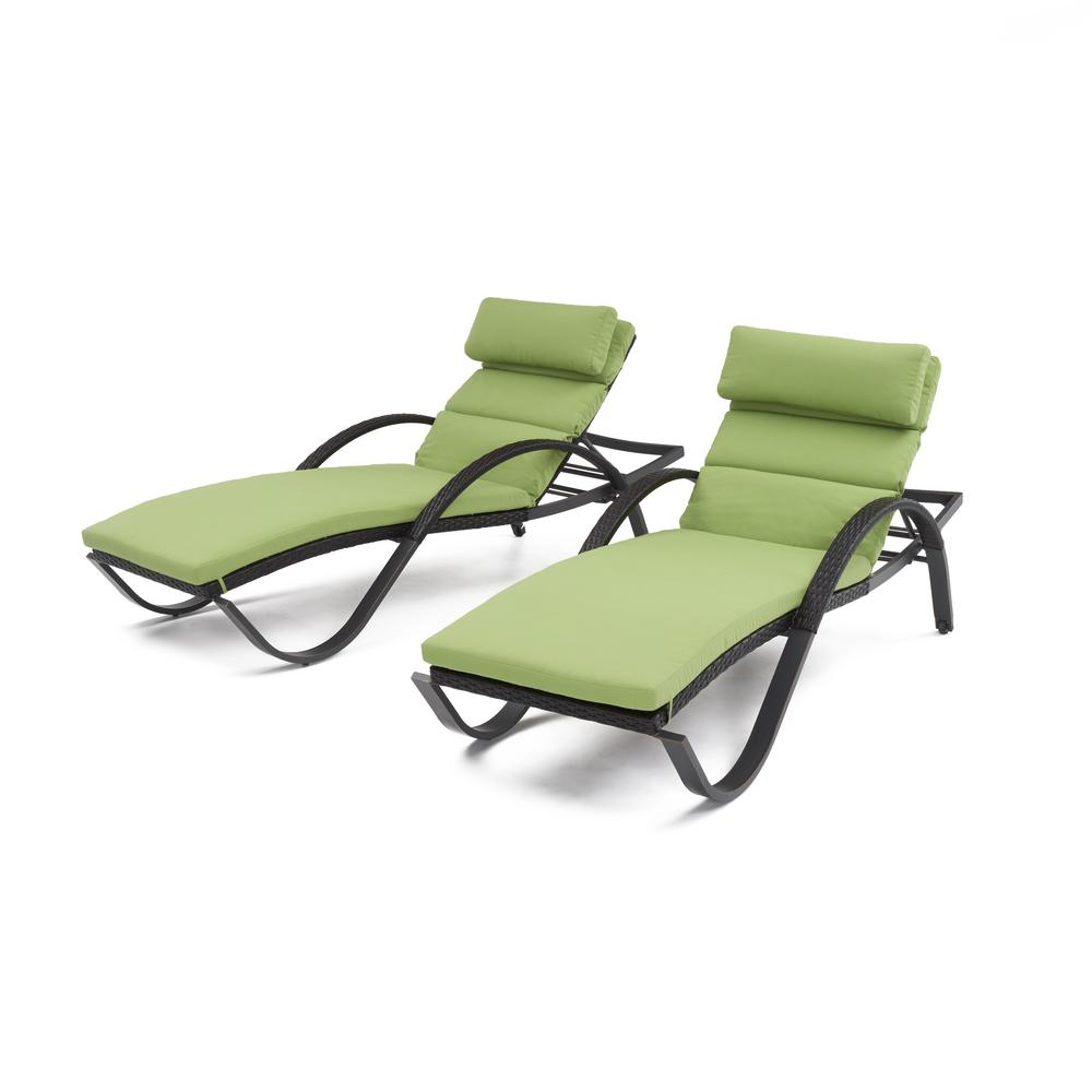 Hanover gramercy 2 piece patio chaise lounge set with for Chaise de patio