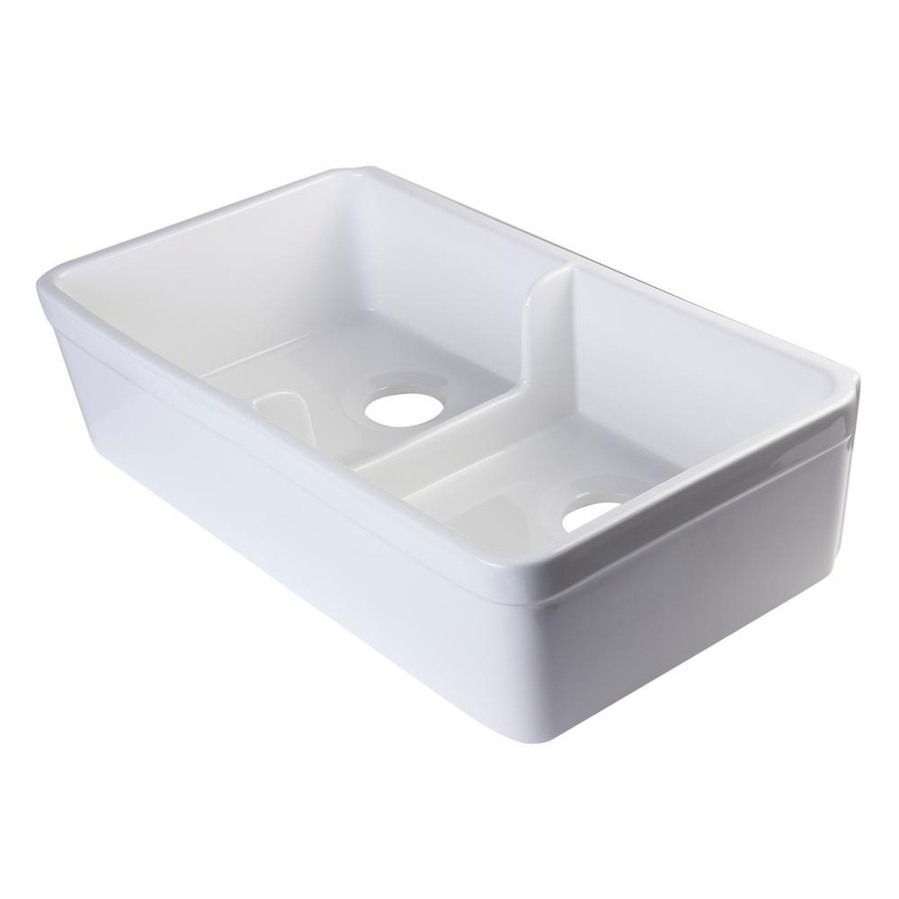 Short Wall Lip Farmhouse Apron Fireclay 32 in. Double Basin Kitchen Sink in White