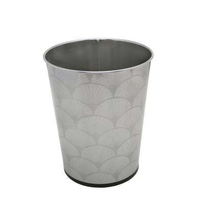 Scallop Free Standing Trash Bin in Chrome