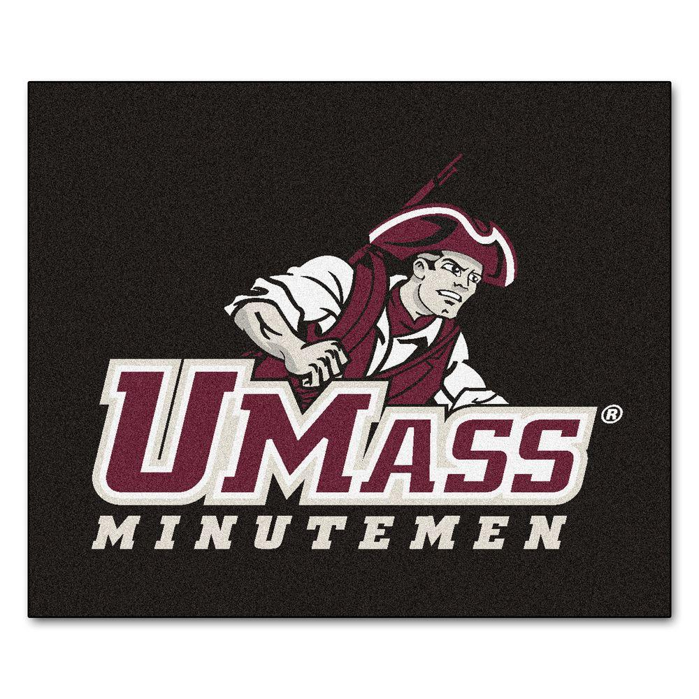 University of Massachusetts Amherst 5 ft. x 6 ft. Tailgater Rug
